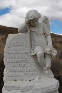 Grave_BabyAngel2